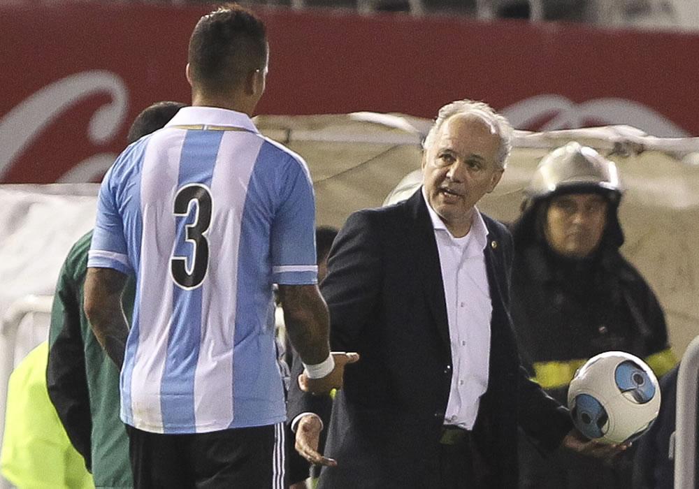 El director técnico de la selección de Argentina, Alejandro Sabella (d). EFE