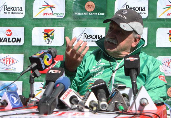 El técnico de la selección boliviana, Xabier Azkargorta. Foto: ABI