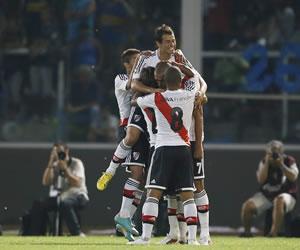 River Plate y Lanús juegan a todo o nada por un cupo en las semifinales