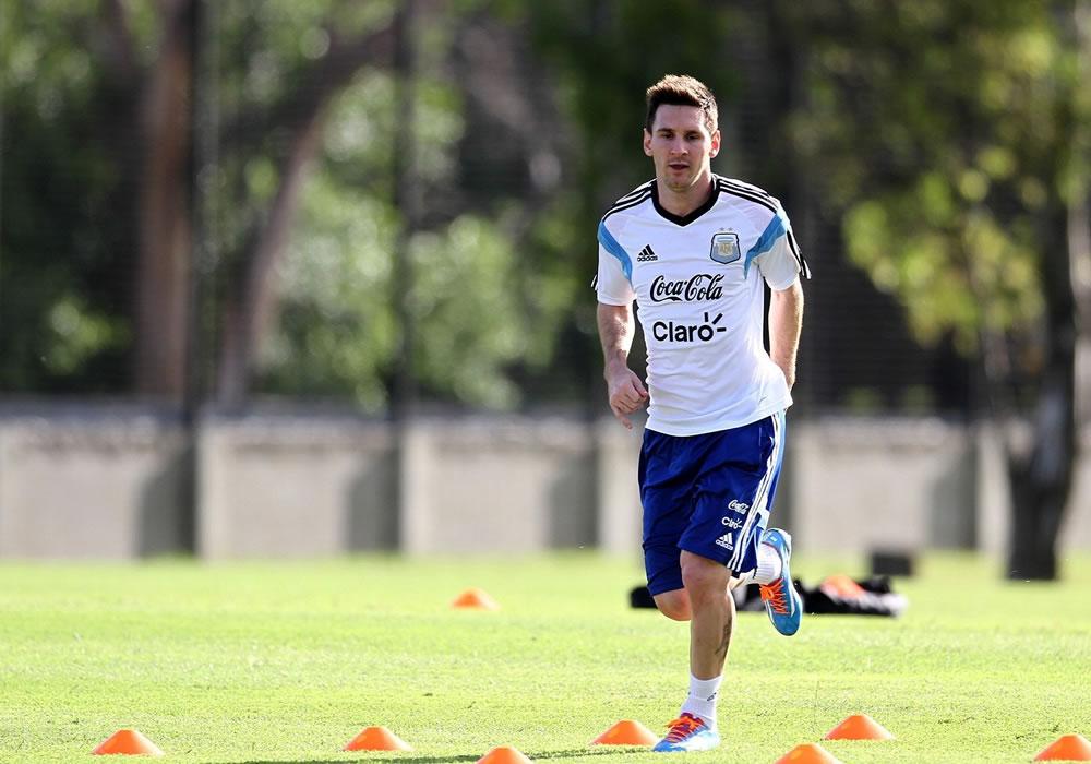 Messi inicia etapa final de recuperación tras cicatrizar herida en la pierna. Foto: EFE
