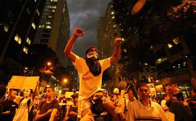 La FIFA teme que el crimen organizado apañe partidos en el Mundial de Brasil. Foto: EFE