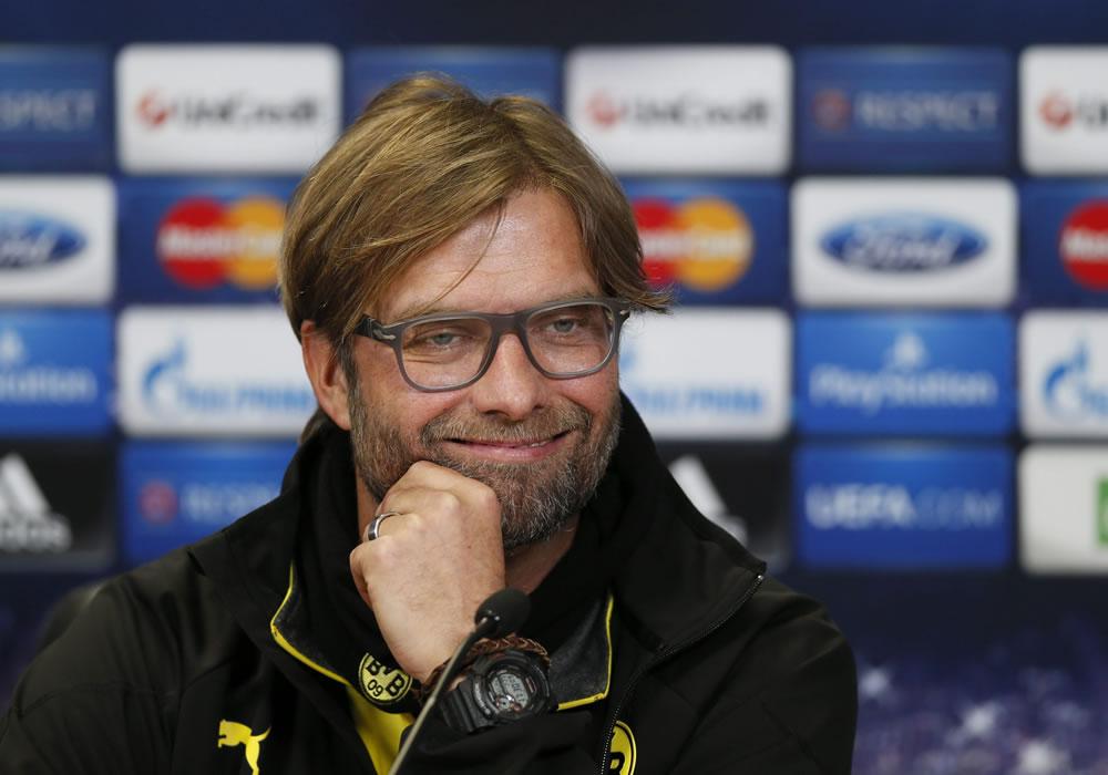 El DT del Borussia Dortmund, Jürgen Klopp, ofrece una rueda de prensa en la víspera a su enfrentamiento al Zenit de San Petersburgo. Foto: EFE