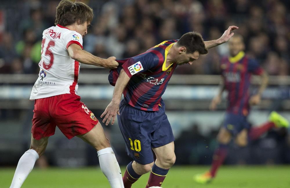 El delantero argentino del F. C. Barcelona, Leo Messi (d). Foto: EFE