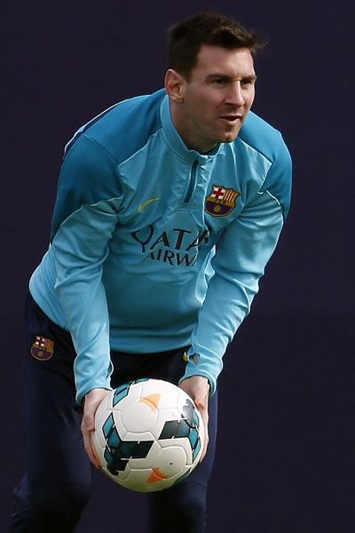 El argentino del FC Barcelona, Leo Messi, durante el entrenamiento que el equipo azulgrana ha realizado en la ciudad deportiva Joan Gamper. Foto: EFE