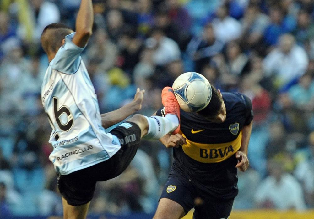 Racing Club y Boca Juniors protagonizan un clásico de urgencias en la fecha 7 del Torneo Final. EFE/Archivo