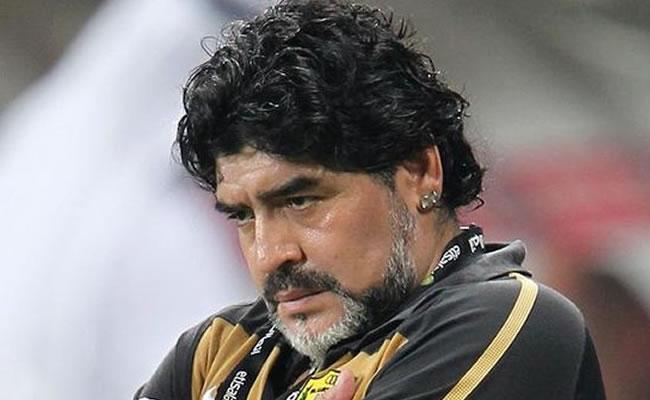 Pakistán quiere invitar a Maradona para que conozca el fútbol que menospreció. Foto: EFE