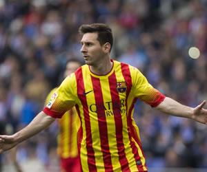 Messi, de penalti, decide a un cuarto de hora del final
