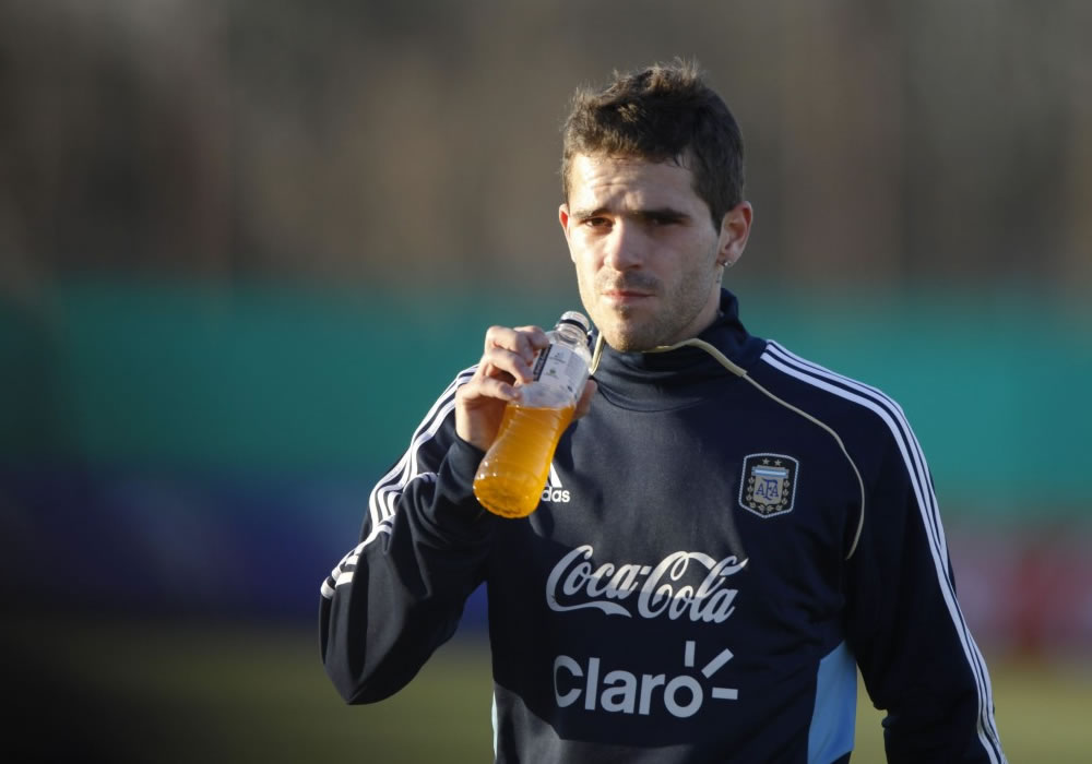 Sabella cuenta con Fernando Gago en Argentina para el Mundial pese a lesión. Foto: EFE