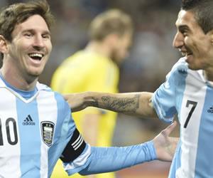 """Di María: """"Messi está bien, tranquilo y no veo desgastado al Barcelona"""""""