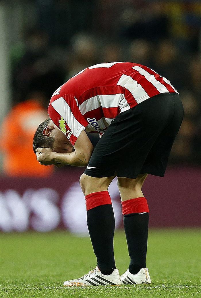 El centrocampista del Athletic de Bilbao Ander Herrera al finalizar el partido. Foto: EFE