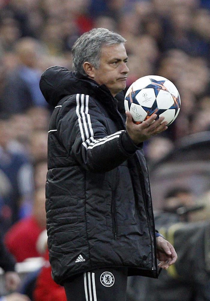 El entrenador del Chelsea, José Mourinho, durante el partido de ida de semifinales de la Liga de Campeones. Foto: EFE