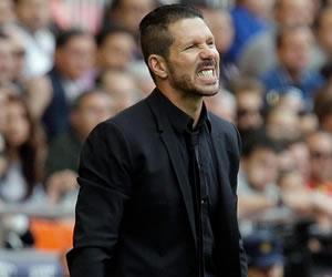 """Simeone: """"Tenemos dos grandes rivales detrás y no podemos fallar"""""""