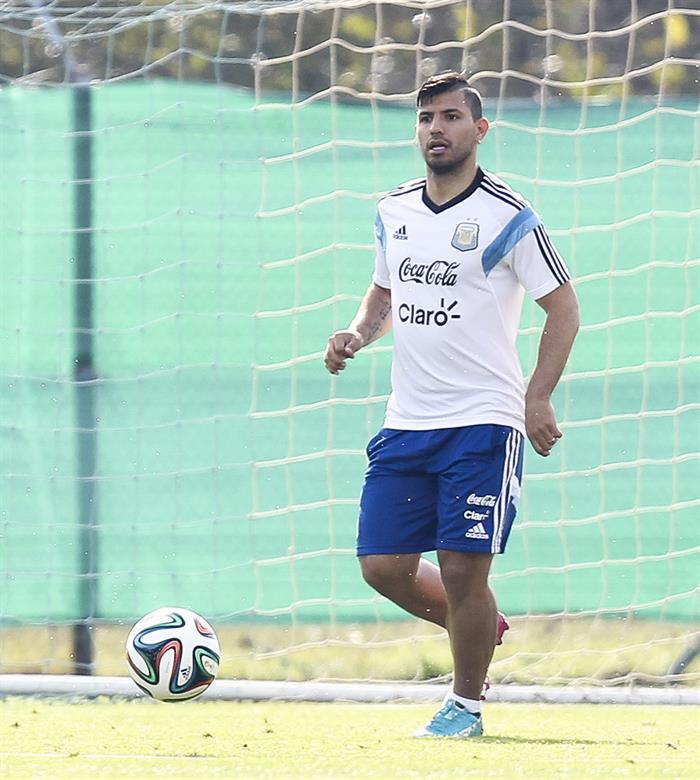 El jugador de la selección argentina de fútbol Sergio Agüero. EFE