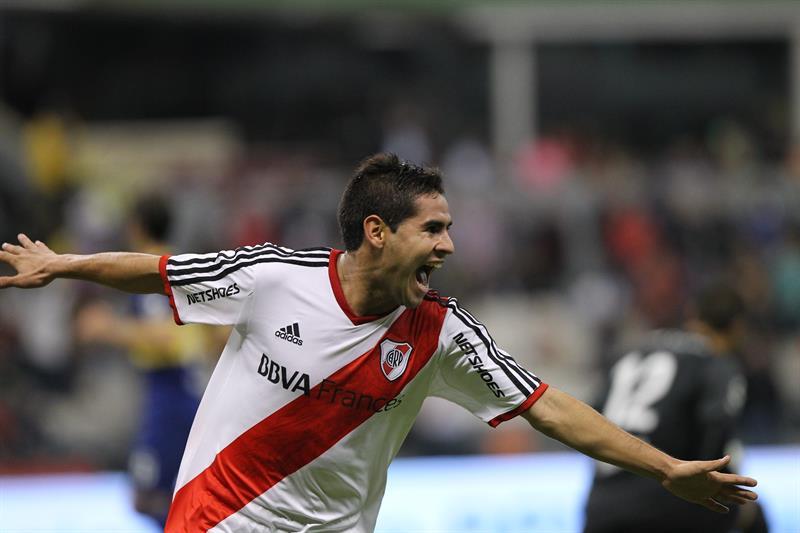 El jugador de River Plate Daniel Villalva celebra después de anotar un gol. Foto: EFE