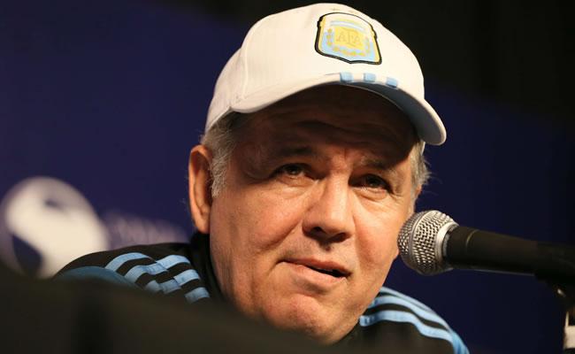 El seleccionador de fútbol argentino, Alejandro Sabella, durante una rueda de prensa en Ezeiza. EFE