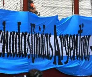 La asociación de hinchas radicales argentinos anuncia su disolución