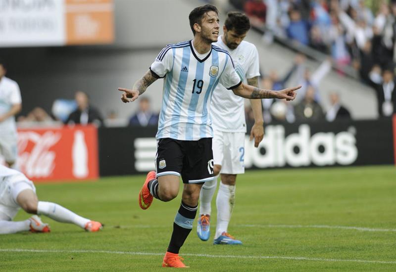 El jugador Ricky Álvarez de Argentina. Foto: EFE