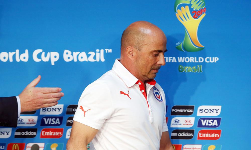 El DT argentino de la selección de Chile, Jorge Sampaoli, durante una rueda de prensa. Foto: EFE