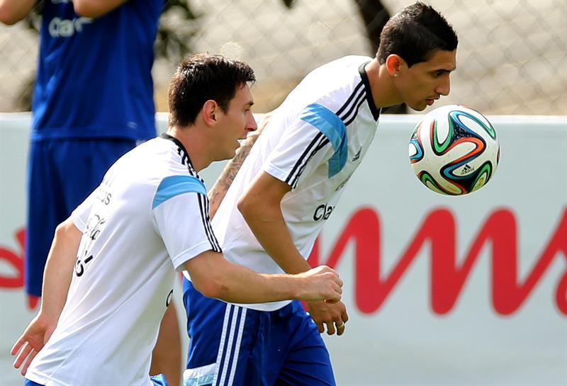 onel Messi (i) y Ángel Di María de la selección argentina de fútbol. Foto: EFE