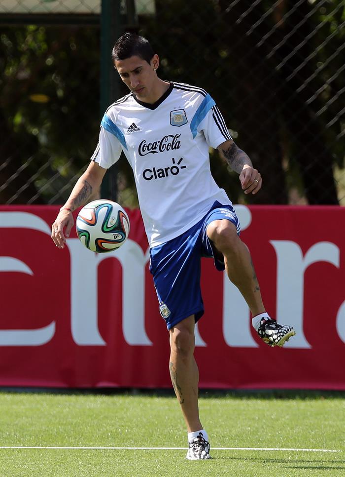 El jugador de la selección argentina Ángel Di María durante el entrenamiento. EFE