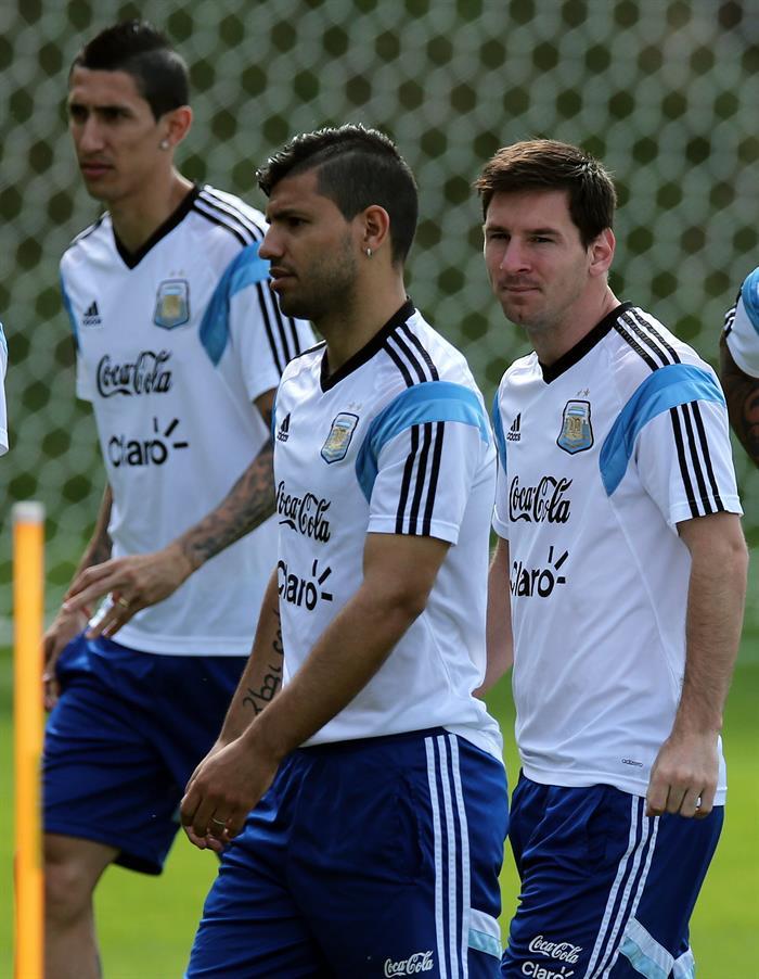 Los jugadores de la selección argentina, Ángel Di María, Sergio Agüero y Leo Messi. EFE