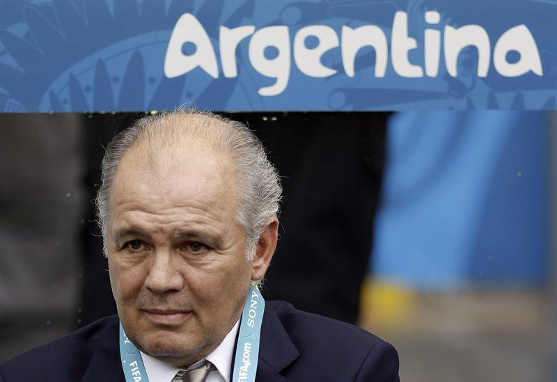 El entrenador de la selección argentina, Alejandro Sabella, durante el partido Nigeria-Argentina. Foto: EFE