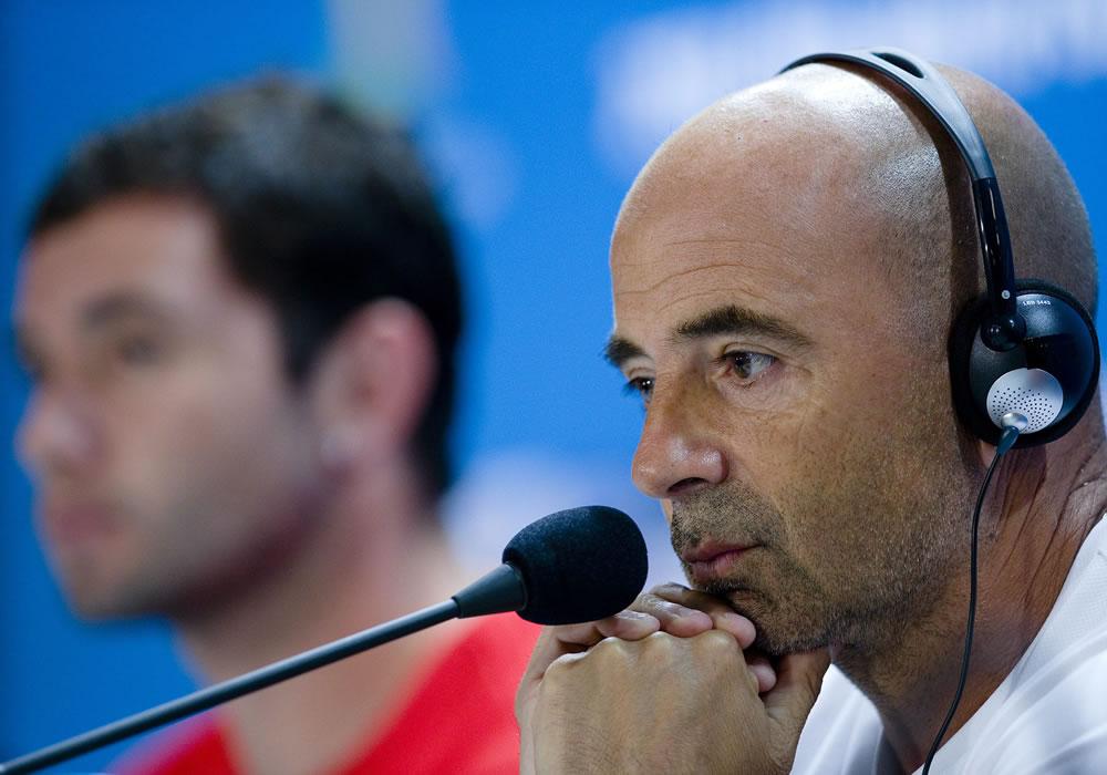 El DT argentino del equipo chileno de fútbol, Jorge Luis Sampaoli durante rueda de prensa en el estadio Minerao en Belo Horizonte. Foto: EFE