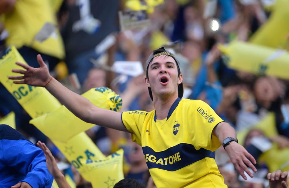 Hinchas de Boca Juniors se concentran en apoyo a la renovación de Riquelme. Foto: EFE