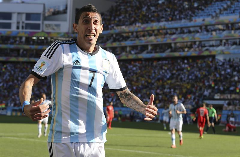 El centrocampista argentino Ángel di María celebra el gol marcado ante Suiza, durante el partido Argentina-Suiza. EFE