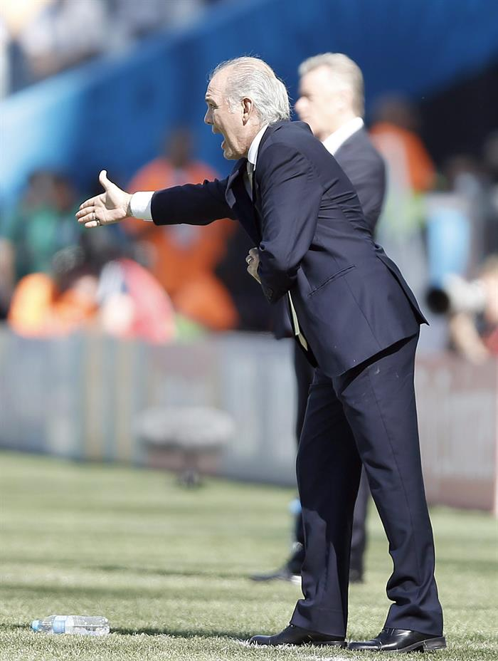 Argentina's coach Alejandro Sabella in action during the FIFA World Cup 2014. EFE