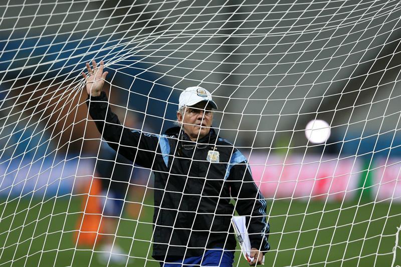 El director técnico Alejandro Sabella entrena con la selección de Argentina. EFE