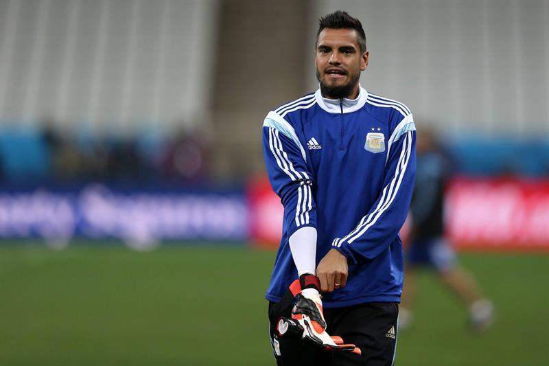 El arquero Romero entrena con la selección de Argentina. EFE