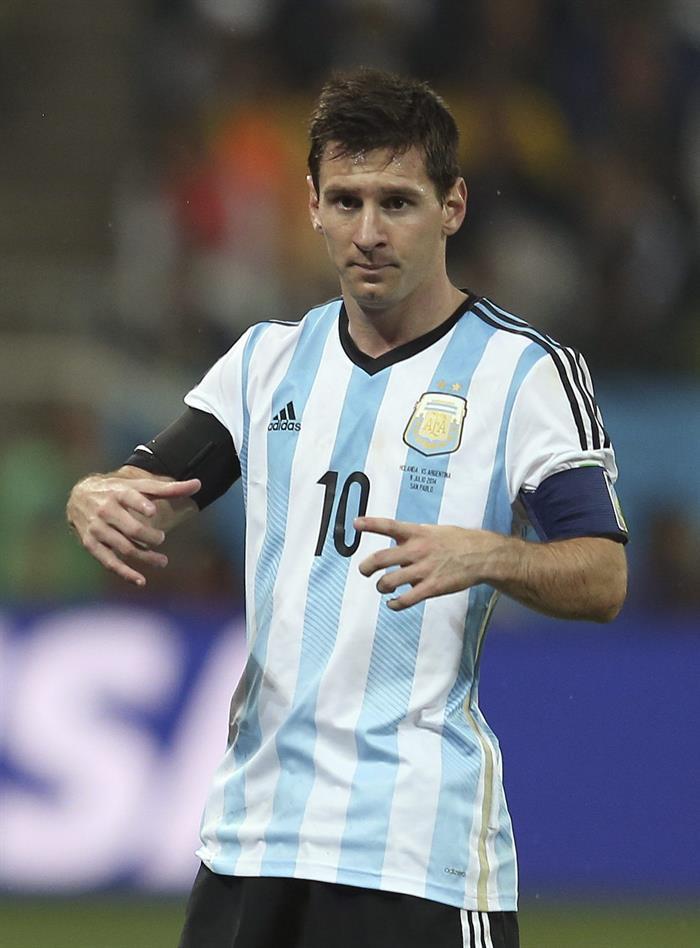 El delantero argentino Lionel Messi durante el partido Holanda-Argentina, de semifinales del Mundial de Fútbol. EFE