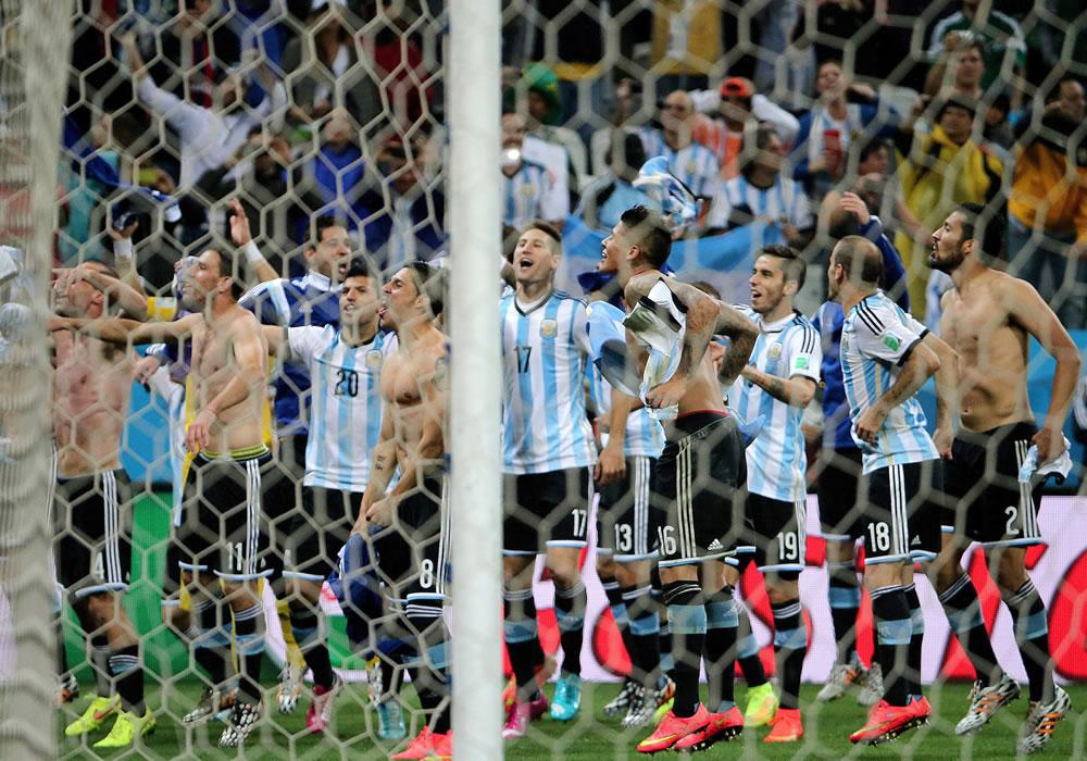 La FIFA multa con 336 mil dólares a Argentina. Foto: EFE