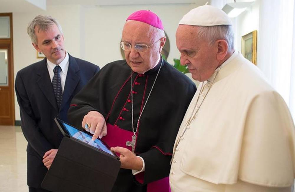 Papa anima a promover con el deporte