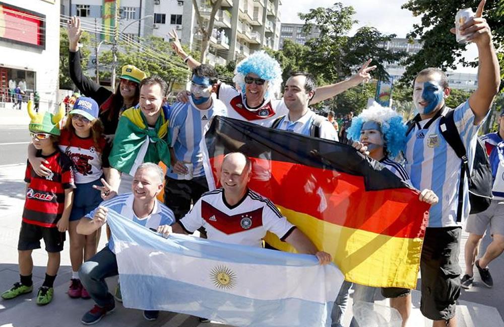 Argentina, insomne y paralizada, sueña con volver a ser campeona mundial. EFE