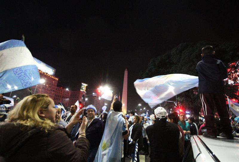 Más de 120 detenidos y 70 heridos en disturbios en Buenos Aires tras Mundial. Foto: EFE