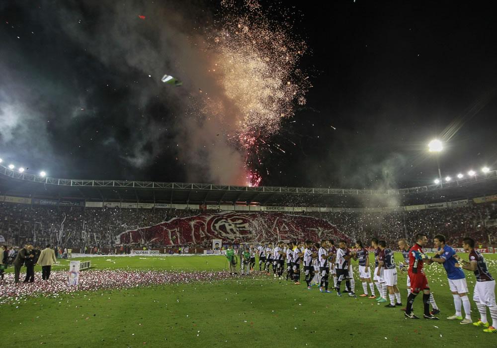 Lanús va por otro título internacional en la ida de la Recopa Sudamericana. Foto: EFE