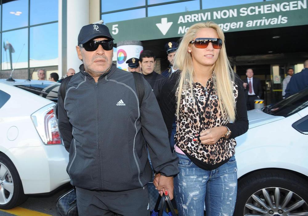 Rocío Oliva, exnovia de Diego Maradona, aseguró que el astro argentino se ha convertido en su