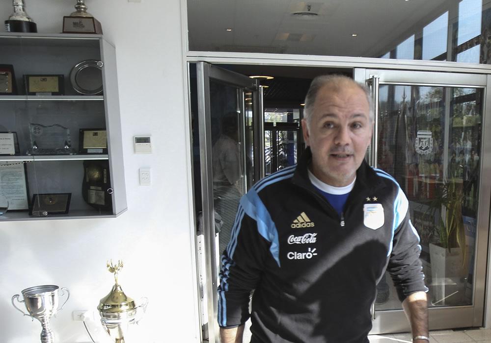 Alejandro Sabella anuncia que abandona la selección de fútbol argentina. Foto: EFE