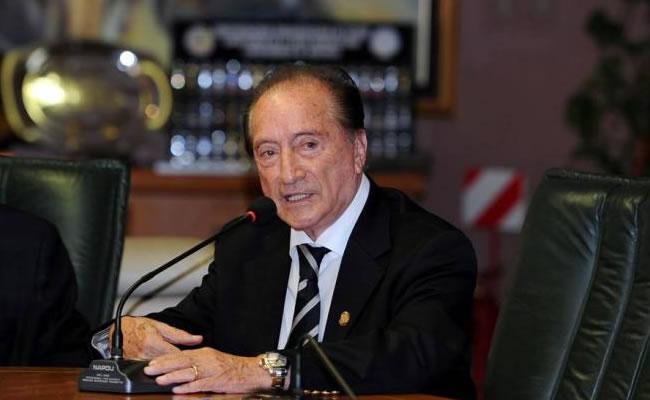 """Presidente de la Conmebol lamenta la pérdida de un """"baluarte del fútbol"""". Foto: EFE"""