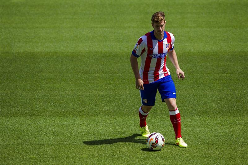 El defensa argentino Cristian Ansaldi, durante su presentación como nuevo jugador del Atlético de Madrid. Foto: EFE