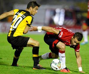 Wilstermann cae por dos tantos en su visita al Peñarol