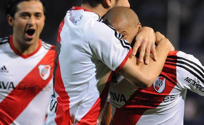 Vélez, líder solitario y River Plate su único escolta. Foto: Facebook