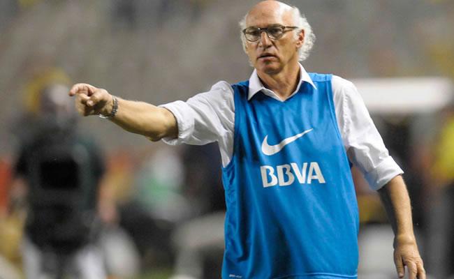 Carlos Bianchi dispuesto a seguir en Boca pese a derrota ante Estudiantes. Foto: EFE/Archivo