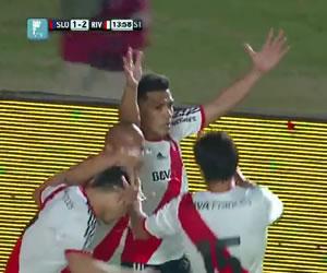 Con otro gol de Teo Gutiérrez, River Plate asumió el liderato absoluto