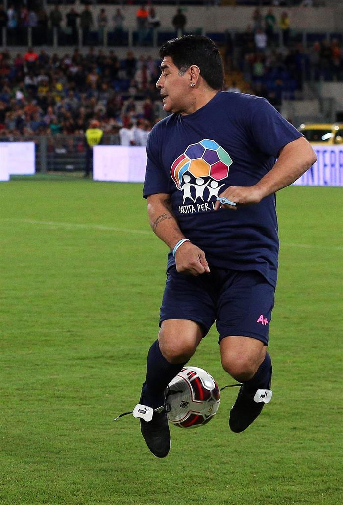 Maradona, Simeone, Valderrama  y Zamorano volvieron a sentirse jugadores en 'el partido por la paz'. Foto: EFE