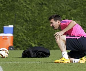 Messi e Iniesta inician a trabajar con sus compañeros