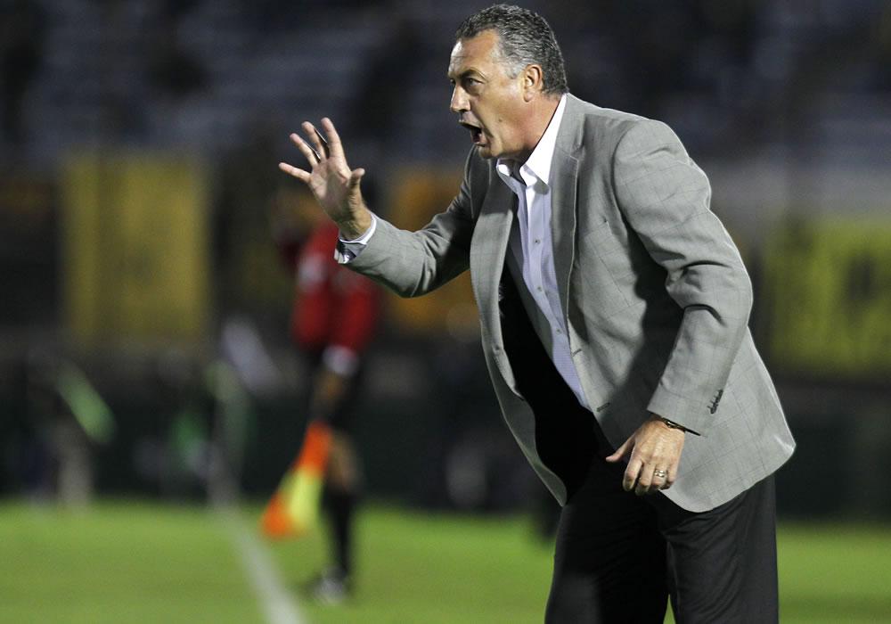 Gustavo Alfaro es el nuevo entrenador del Club Atlético Tigre. Foto: EFE