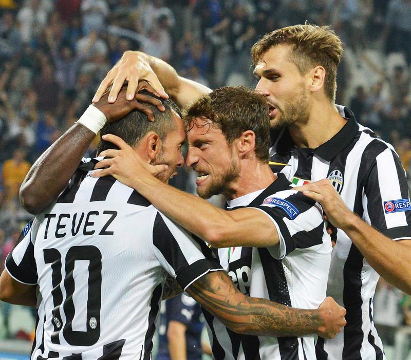 Carlos Tevez le da al Juventus el liderato del grupo A